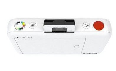 Polaroid Snap Camera Recreates Classic Instant Photography