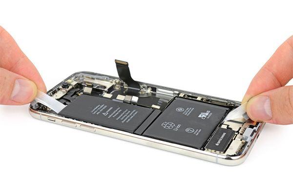 iPhone X teardown: battery