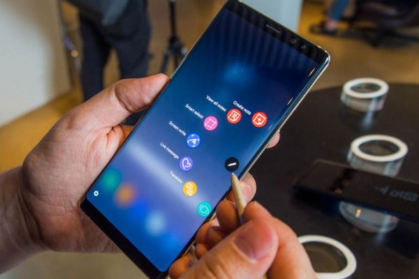 samsung galaxy note 9 in work - Samsung Galaxy Note 9 Flagship Fablet Arrives