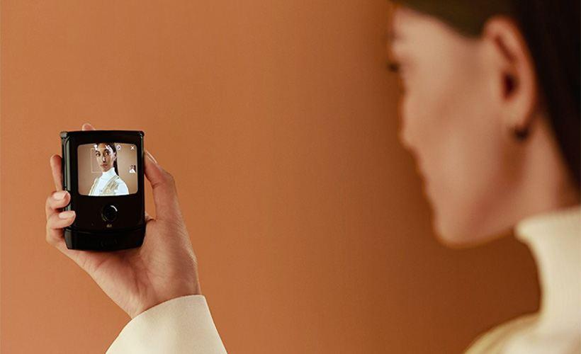 new foldable razr by motorola price drops specs improve photo - New Foldable RAZR by Motorola: Price Drops, Specs Improve